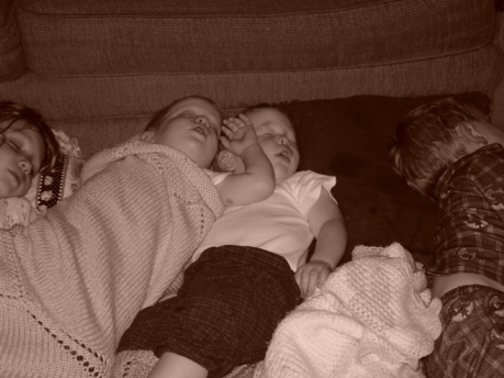 living-room-sleeping-3.JPG