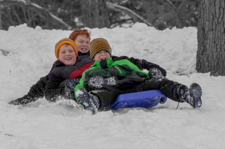 2015-12-30_Boys Sledding-14